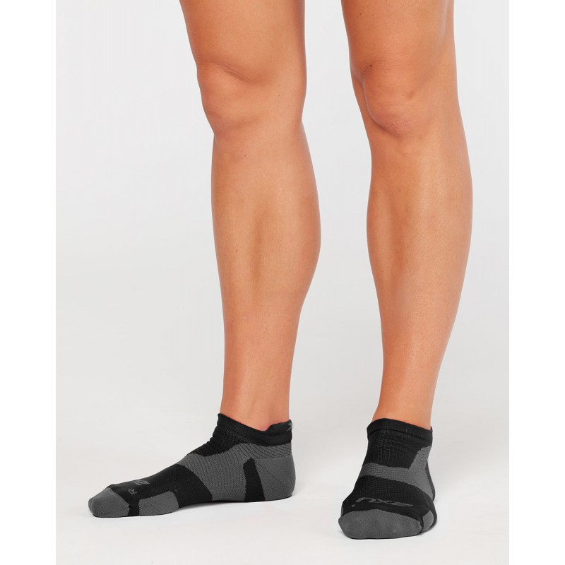 2XU Vectr Light Cushion No Show Socks Black/Titanium